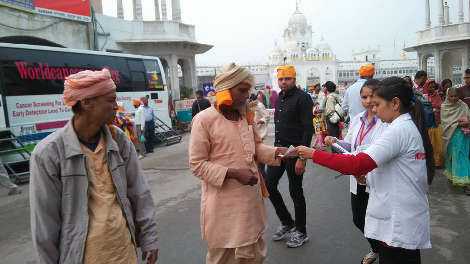 World Cancer Care Camp Outside Golden Temple in Amritsar Punjab India-LoveYouFamily.Com