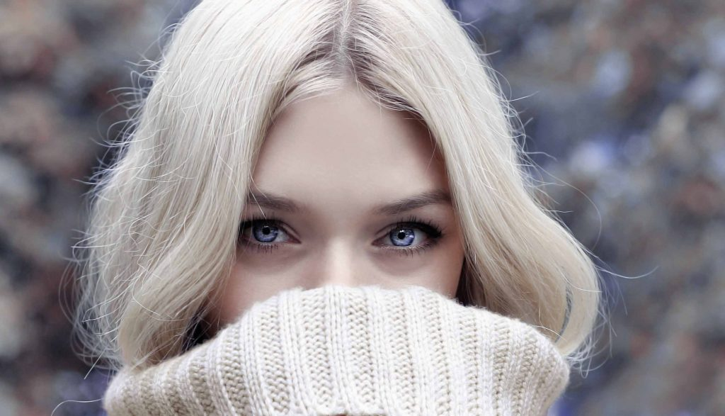 Blonde girl, you are gorgeous. pic credit pexels.com
