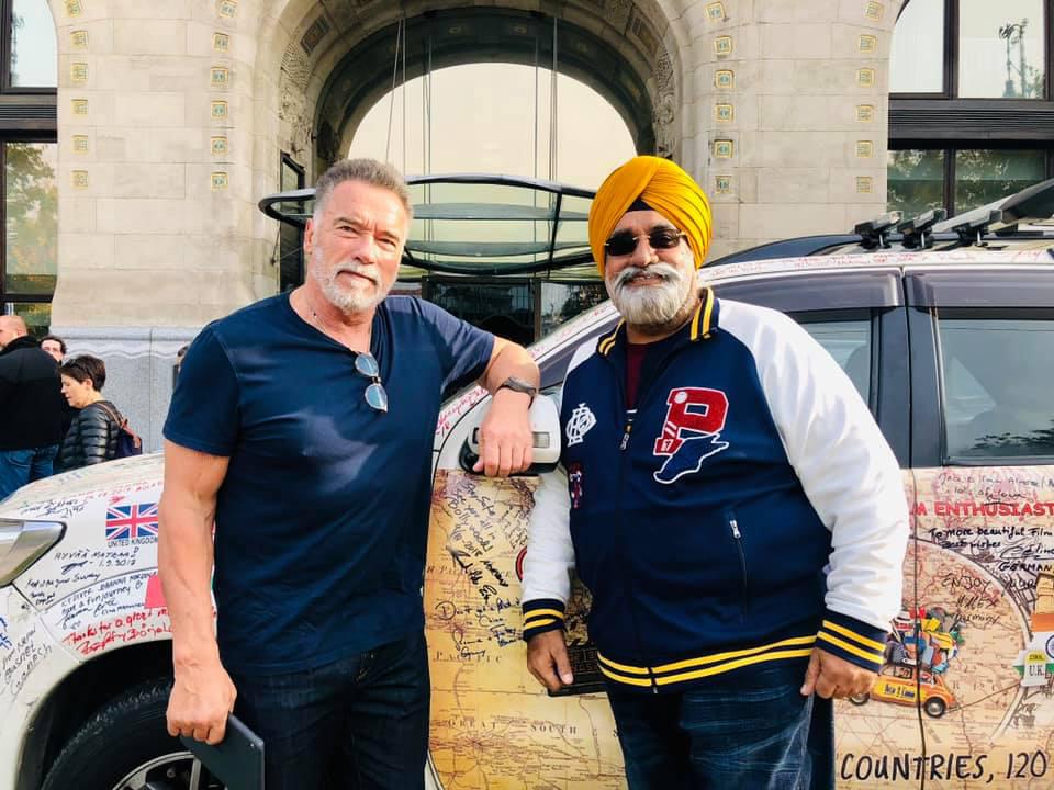 Sikh Traveller Amarjeet Singh Meeting The Hollywood Heartthrob Arnold Schwarzenegger